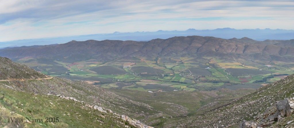 Six Months in South Africa: Klein Karoo: Northern Klein Karoo, seen from Swartberg Pass (© Vilis Nams)