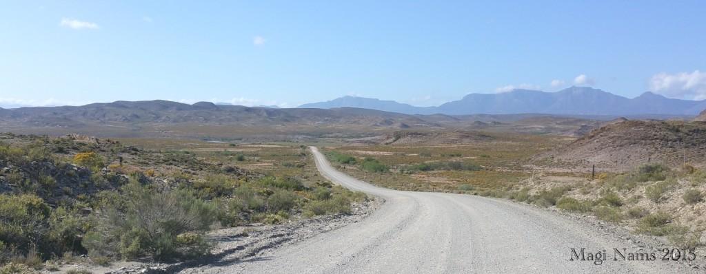 Six Months in South Africa: Cloetes Pass: Klein Karoo south of Van Wyksdorp, heading for Cloetes Pass (© Magi Nams)