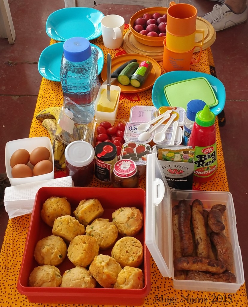 Six Months in South Africa: Great Fish River Reserve: Picnic Breakfast (© Magi Nams)