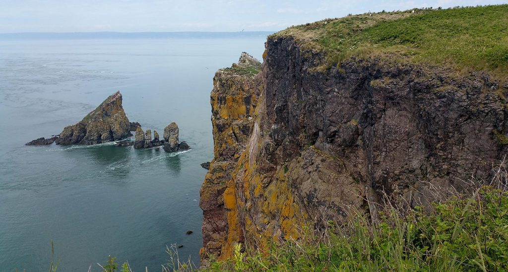 Hiking in Canada: Cape Split Provincial Reserve, Nova Scotia: Cape Split, Nova Scotia (© Magi Nams)