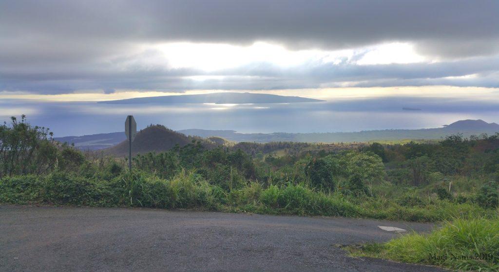 Exploring America: Maui, Hawai'i: Offshore, Kaho'olawe (centre) and Molokini (right), seen from Pi'ilani Highway, Maui, Hawai'i: Kaho'olawe and Molokini, seen from Pi'ilani Highway, Maui, Hawai'i: Kaho'olawe and Molokini, seen from Pi'ilani Highway, Maui, Hawai'i (© Magi Nams)