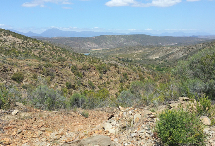 Six Months in South Africa: Klein Karoo: Rugged Rooiberg Hills (©Magi Nams)