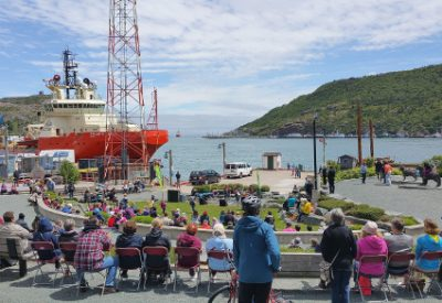 Exploring Canada: St. John's, Newfoundland and Labrador: Lunchtime Concert at Harbourside Park (© Magi Nams)