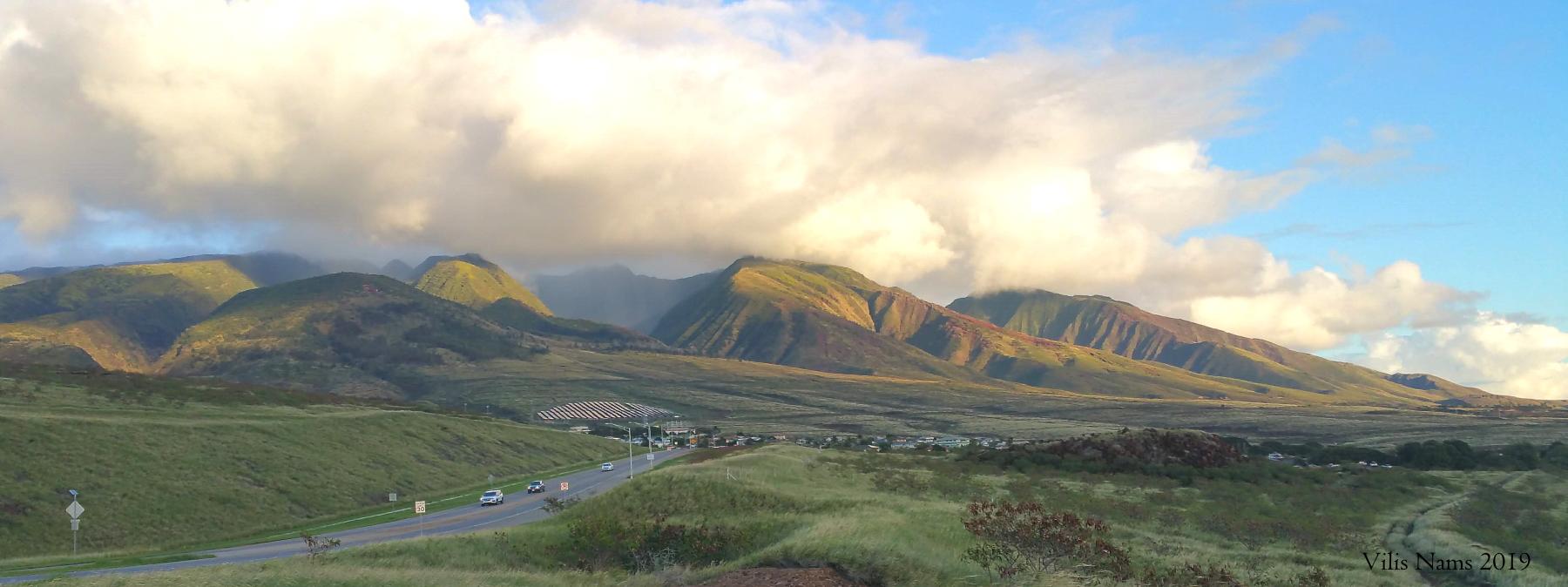 West Maui Mountains, Maui, Hawai'i (© Vilis Nams)